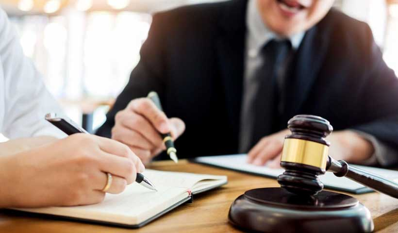 the-benefits-of-hiring-an-immigration-lawyer-in-canada