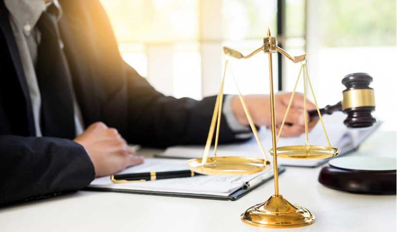 the benefits of hiring an immigration lawyer in canada 1 - مزایای استخدام وکیل مهاجرت به کانادا